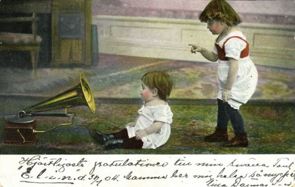 Young Children listening to the Phonograph, Gramophone (1904) Postcard