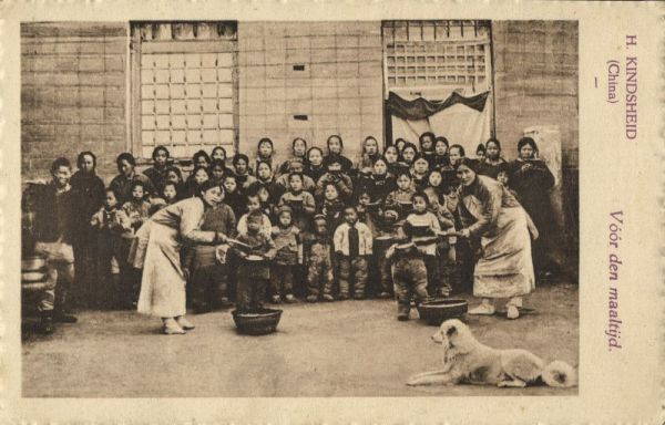 china, Holy Childhood, Before the Meal (1930s) Franciscan Mission