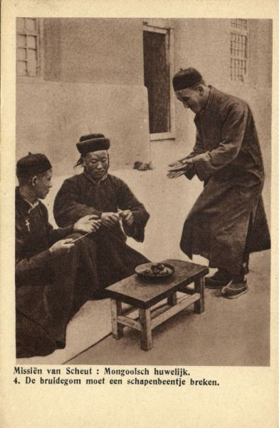 china, Mongolian Wedding, Groom has to break a Sheep Bone (1920s) Mission Van Scheut (Dutch Text)